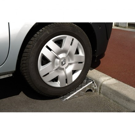 Kovinska rampa za avtomobil - 2 kos